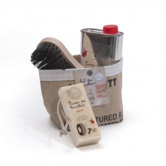 Pochon cadeau savons désincrustant spécial bricoleur et brosse par le Mas du Roseau