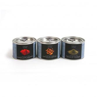 Feuille de poivrier, curcuma copeaux et paprika fumé distribués par le Comptoir des Poivres