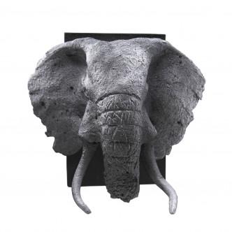 Petit trophée à tête d'éléphant en céramique, pièce unique. Ambiance cabinet de curiosités.