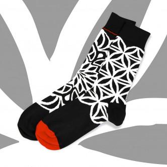 Chaussettes dépareillées noir et blanc 95% coton