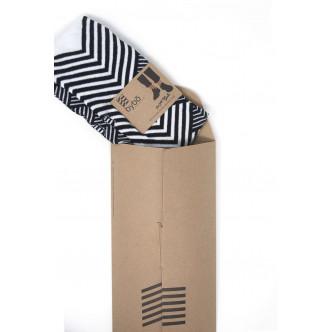 Chaussettes Oybo dans leur pochette en carton recyclé