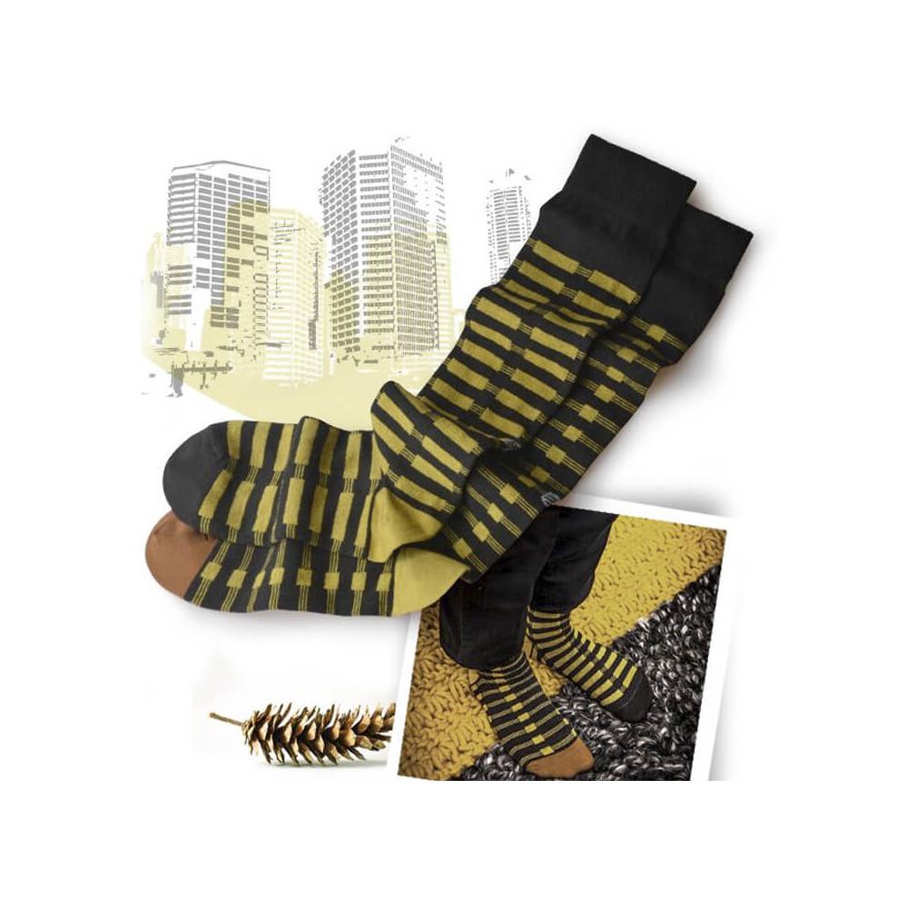Longues chaussettes dépareillées par Oybo