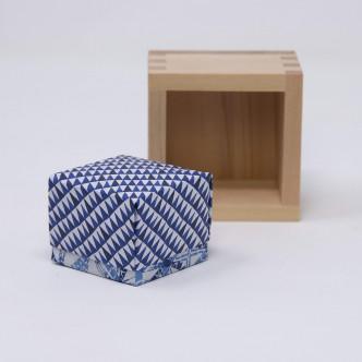 Boîte en origami, décor aléatoire