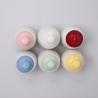 Coquetiers Aggcoddler en porcelaine et silicone 5 couleurs disponibles + blanc