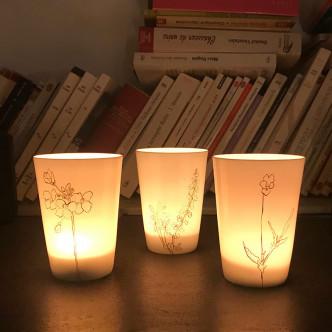 Photophores éclairés en porcelaine très fine par Hübsch