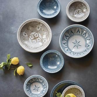 Poterie artisanale peinte à la main style marocain tons bleus et bruns