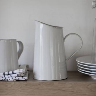 Broc à eau en acier émaillé style campagnard