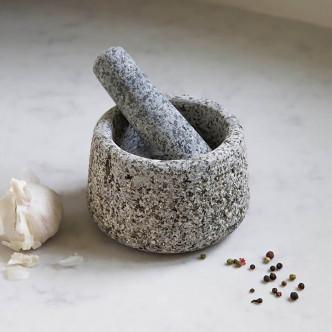 Mortier en granit avec son pilon, idéal épices, herbes, aromates