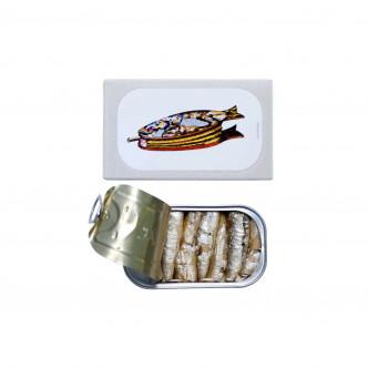 Conserve de petites sardines fumées à l'huile d'olive vierge extra