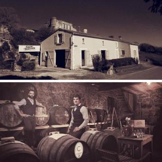 Fabrique du Baume de Bouteville, en Charente. Vieillissement en fût de chêne de Cognac.