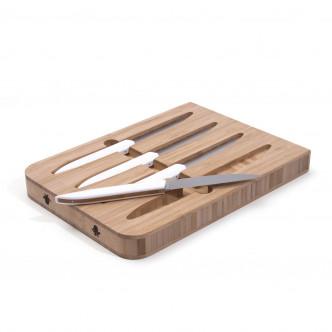 Coffret de 4 superbes couteaux de table fabriqués à Thiers par Roland Lannier